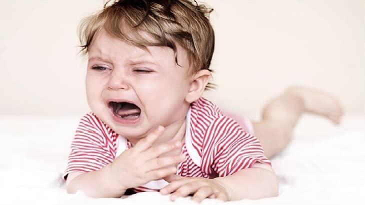 اسباب بكاء الطفل كثيرا وكيفية التعامل معه