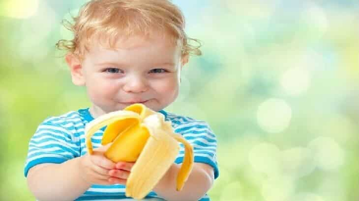 فوائد الموز وأضراره للاطفال