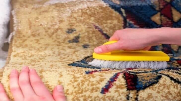 8 طرق لتنظيف السجاد والموكيت بكل سهولة