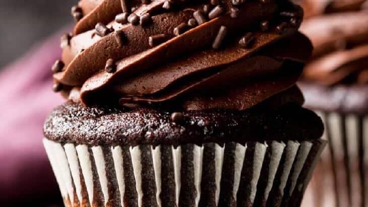 طريقة عمل الكب كيك بالشوكولاته بالصور
