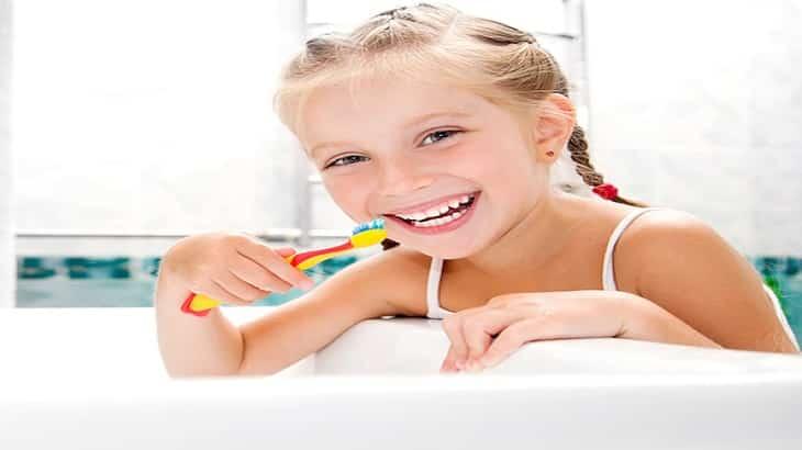 كيفية تعليم الطفل إستخدام فرشاة الأسنان
