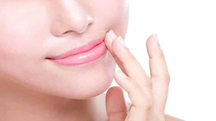 علاج الاسمرار حول الفم بسرعة