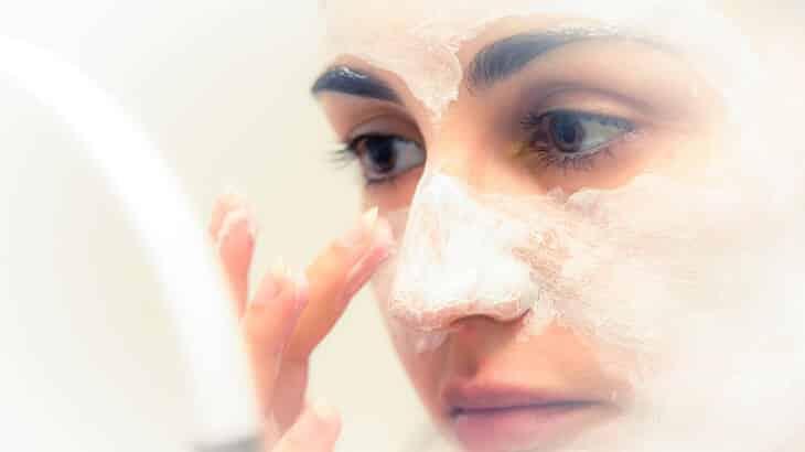 7 وصفات طبيعية لعلاج حبوب الوجه الصغيرة