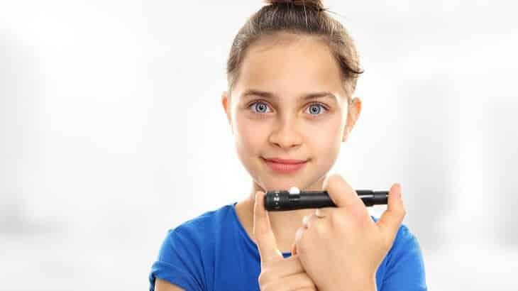 اعراض مرض السكر عند الاطفال وأسباب الارتفاع المفاجئ
