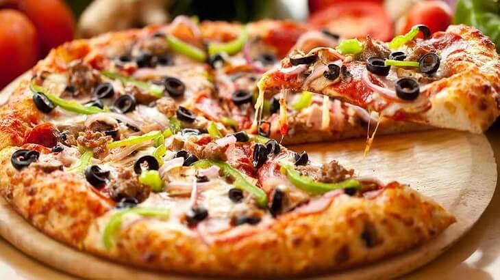 طريقة عمل البيتزا الشرقى بالخطوات والصور