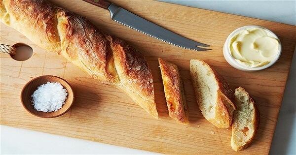 طريقة عمل الخبز الفرنسي في البيت بالصور