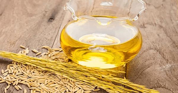 9 فوائد لزيت جنين القمح للجسم والصدر والبشرة