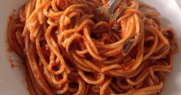 طريقة عمل المكرونة الإيطالية بالصلصة بالصور
