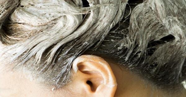 طريقة فرد الشعر بالنشا لتمليس وتنعيم الشعر بالتفصيل