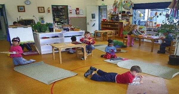 طريقة ماريا منتسوري في تربية الأطفال بالتفصيل