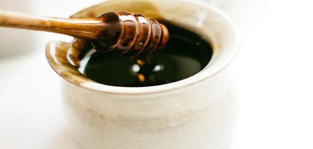 أنواع العسل الأسود بالصور