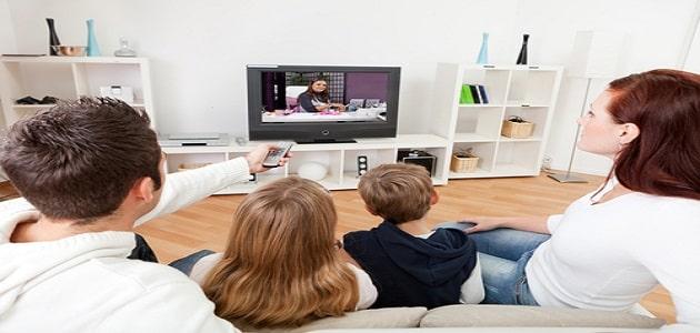 إيجابيات وسلبيات التلفاز على الأطفال