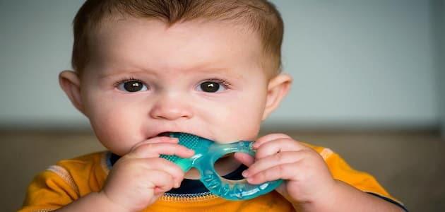البلغم الأخضر وعلاجه عند الرضع