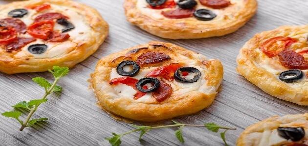 طريقة عمل الميني بيتزا سهلة وبدون خميرة