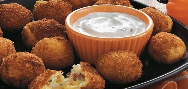 طريقة عمل كرات البطاطس المقلية بالجبن واللحمة المفرومة