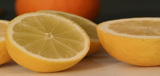 علاج حفر الوجه السطحية والعميقة بالليمون