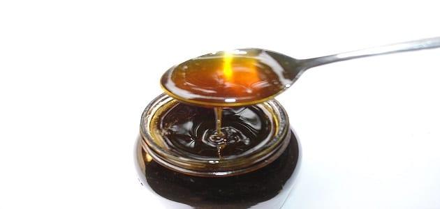 فوائد اللبن بالعسل الأسود للنحافة وإنقاص الوزن