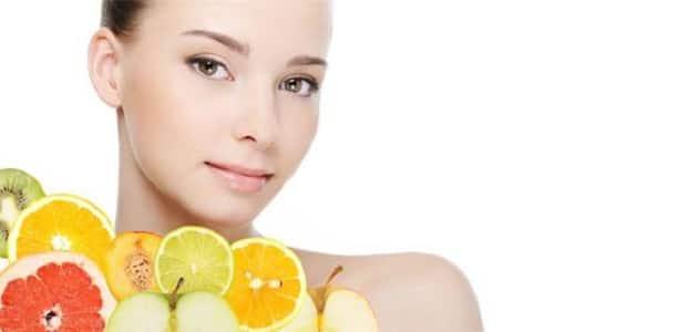 فوائد فيتامين c لتبييض البشرة