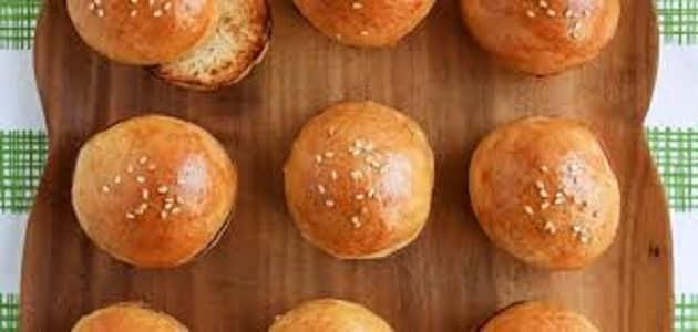 طريقة عمل خبز البرجر بالسمسم