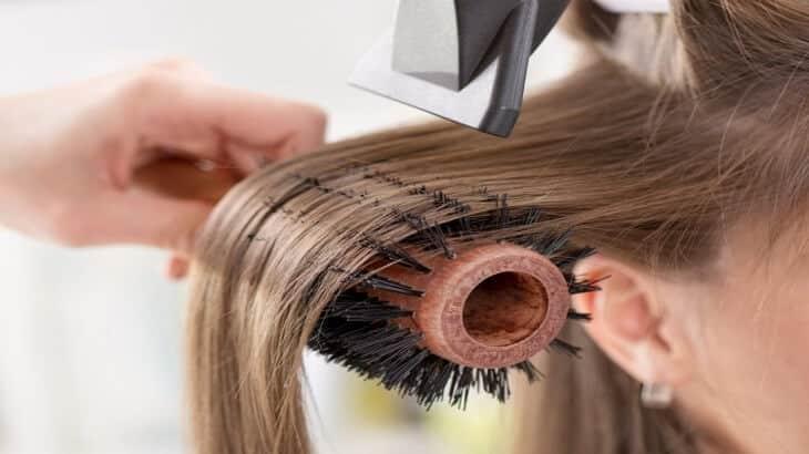تفتيح الشعر بالخل والليمون
