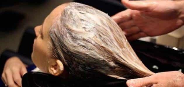 طريقة فرد الشعر طبيعياً من أول مرة بالمنزل