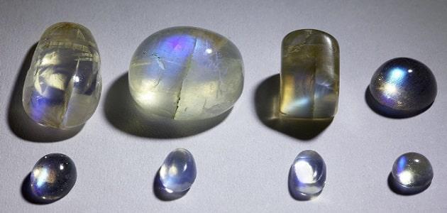 فوائد حجر القمر الروحانية