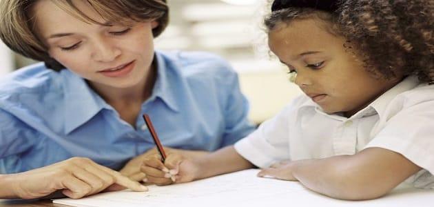 كيفية تعليم الأطفال القراءة والكتابة بالصور