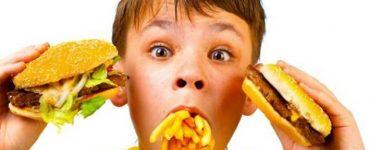 اضرار الوجبات السريعة على الاطفال