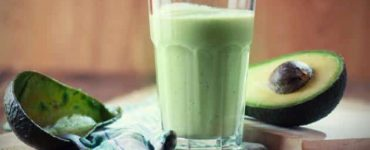 طريقة عمل عصير الافوكادو مع الحليب والعسل