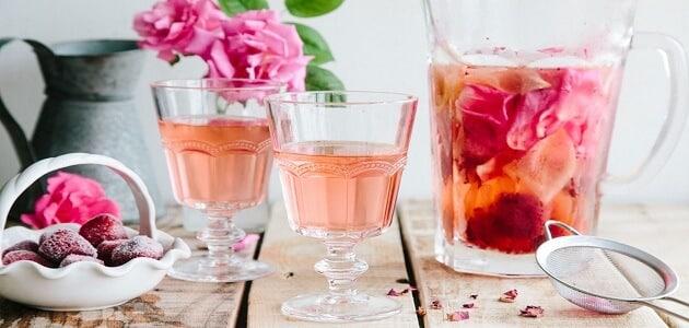 فوائد شرب ماء الورد على الريق للتخسيس