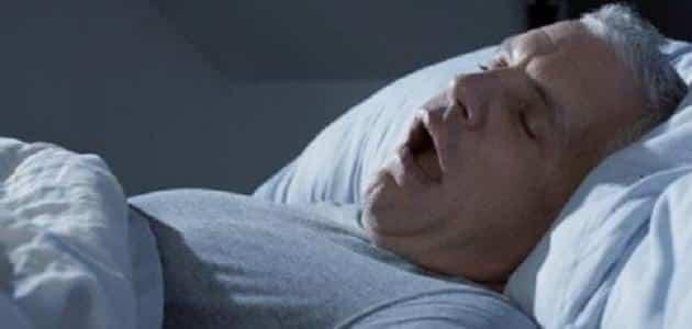 اسباب حدوث ضيق التنفس عند النوم على الجانب الايسر