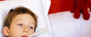 أسباب ارتفاع سخونة الأطراف عند الأطفال