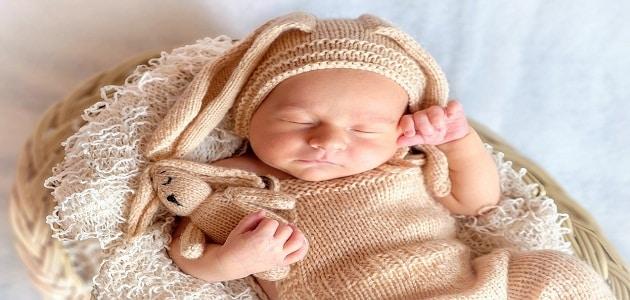 اهم مراحل نمو الطفل الرضيع وتغذيته