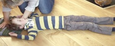 ما أنواع التشنجات عند الأطفال بدون حرارة