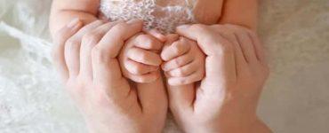 ما اسباب ازرقاق اليدين لدى الاطفال الصغار