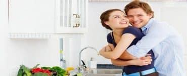كيف أستطيع أن أعيش حياة زوجية سعيدة