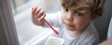 فوائد الزبادي للاطفال الرضع