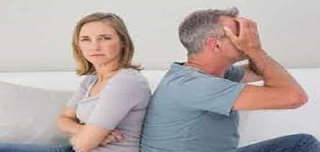 لماذا يستفز الرجل حبيبته بعد الفراق