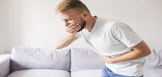 متى تظهر أعراض التسمم الغذائي ؟
